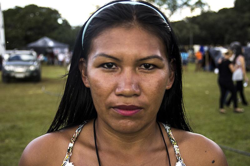 Janete Figueredo Alves, desana da Terra Indígena Alto Rio Negro (AM), durante o Acampamento Terra Livre de 2018, em Brasília (DF). Foto: Mario Brunoro/ISA