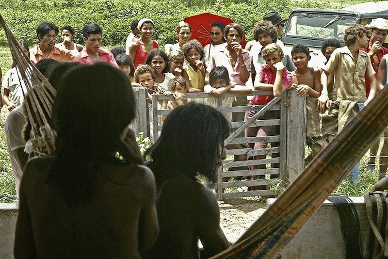 Foto: Os Avá-Canoeiro do Araguaia recém-contatados. Fazenda Canuanã. Klaus Gunther, 1973