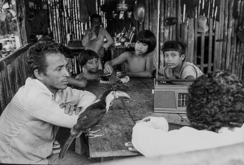 Índios Guajá do Rio Turiaçu e membros da Frente de Atração. Foto: Vincent Carelli/Vídeo nas Aldeias